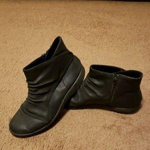 Black Clark's boots. Womens size 8.5